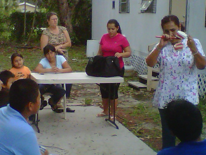 Amigos Center Educates on Dental Care